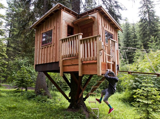 Tv show piques interest in missoula treehouse zipline for Cost of building a house in montana