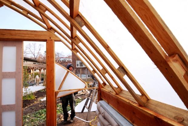 Um builds passive solar greenhouse to grow fresh veggies Passive solar greenhouse design plans