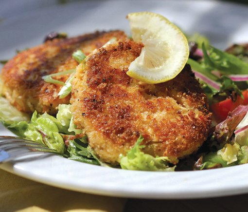 how to make salmon cakes with leftover salmon