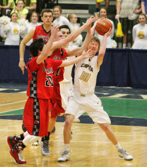Tight games highlight opening round of AA tournaments