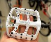 Lightweight and sturdy bicycle pedals