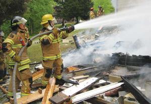 Man escapes house explosion