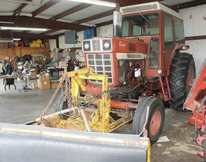 Airport board solves tractor issue, starts mulling runway, lights work