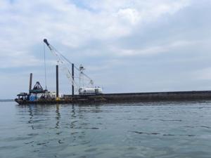 Barge still working in Little Choptank