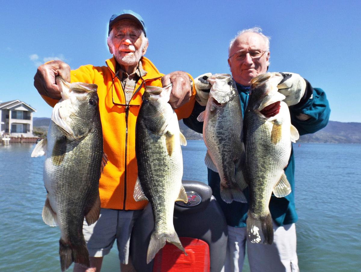 The fishing report bass keep pair busy on clear lake for Clear lake fishing report