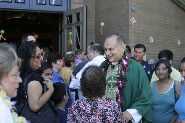 Priest thanks parishioners in Napa farewell