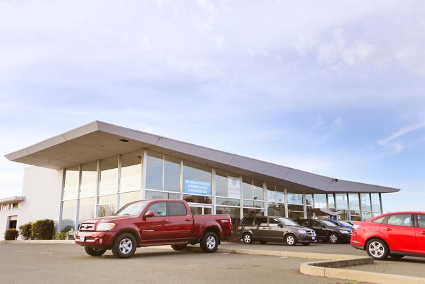 Napa auto dealership files for bankruptcy