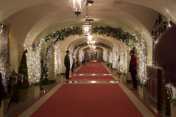 More Scenes From The Hgtv Special White House Christmas: white house christmas 2017 hgtv