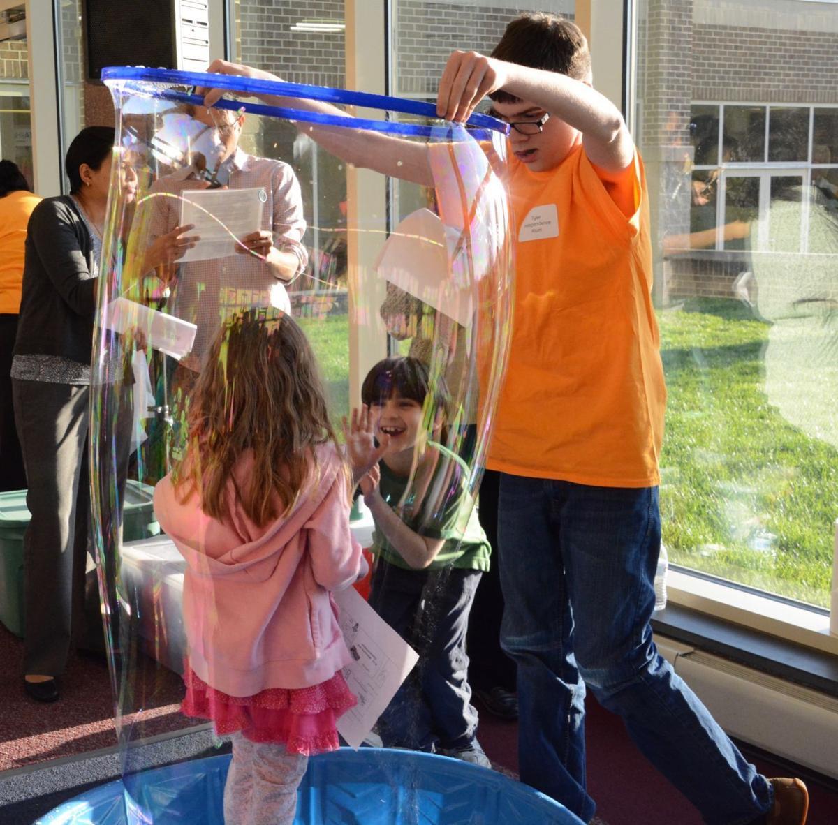 Independence School Hosts STEM Fest