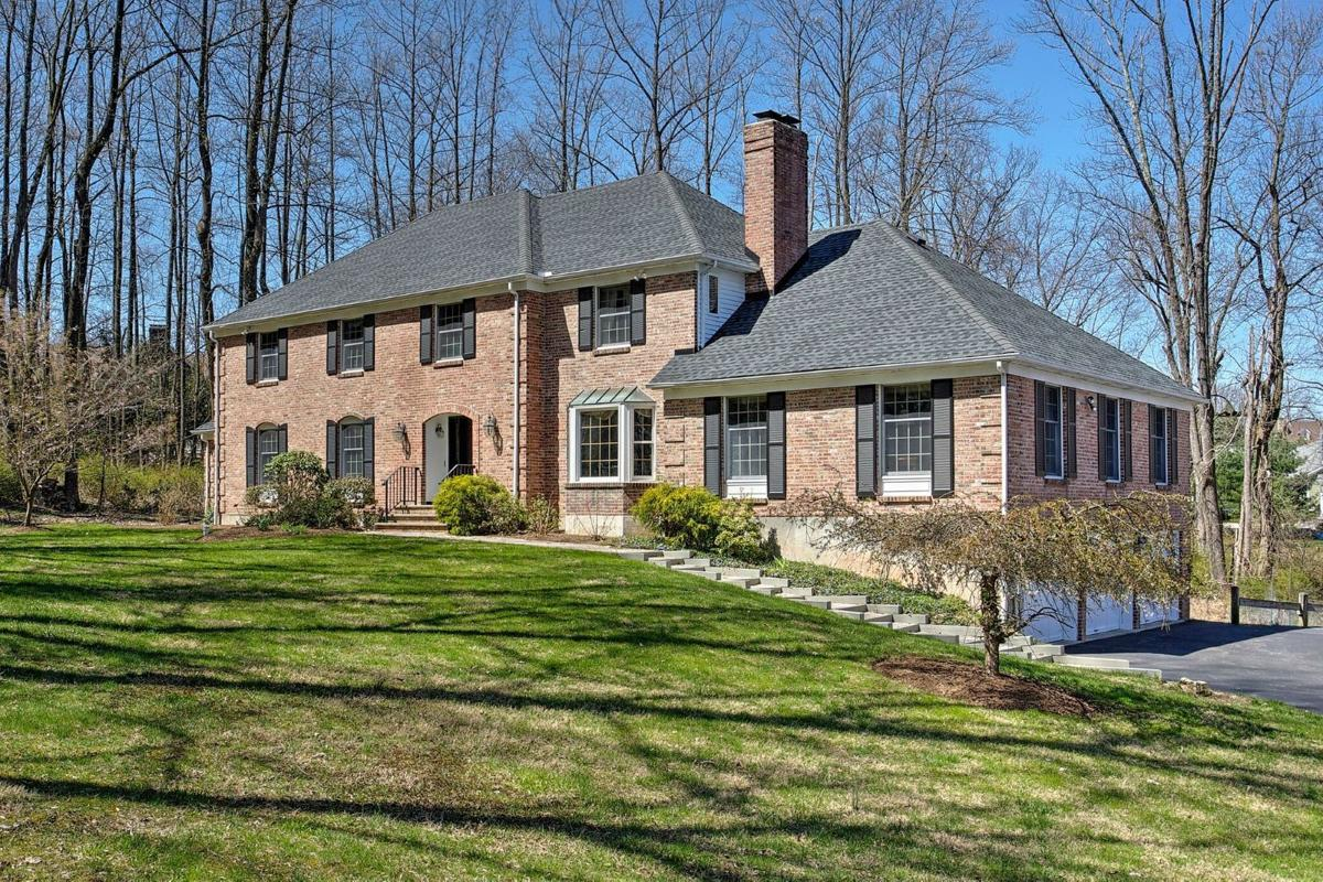 Stately Two Car Garage 92049vs: Stately Colonial Offered In Tewksbury Township
