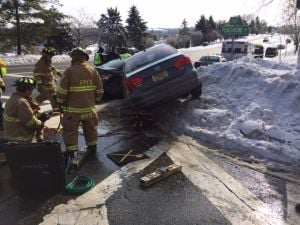 2-car accident in Florham Park sends 1 to hospital