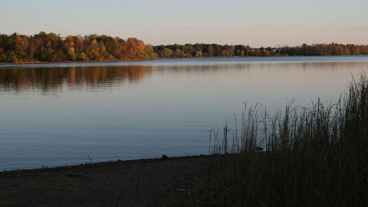 Man dies after boating accident on Spruce Run Reservoir