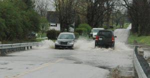 Flood waters rise in Scott County