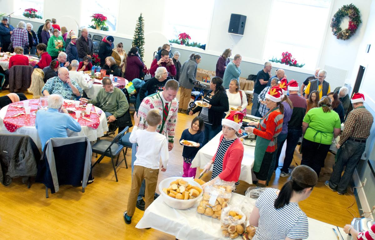 Photo gallery loaves fishes community meal multimedia for Loaves and fishes volunteer