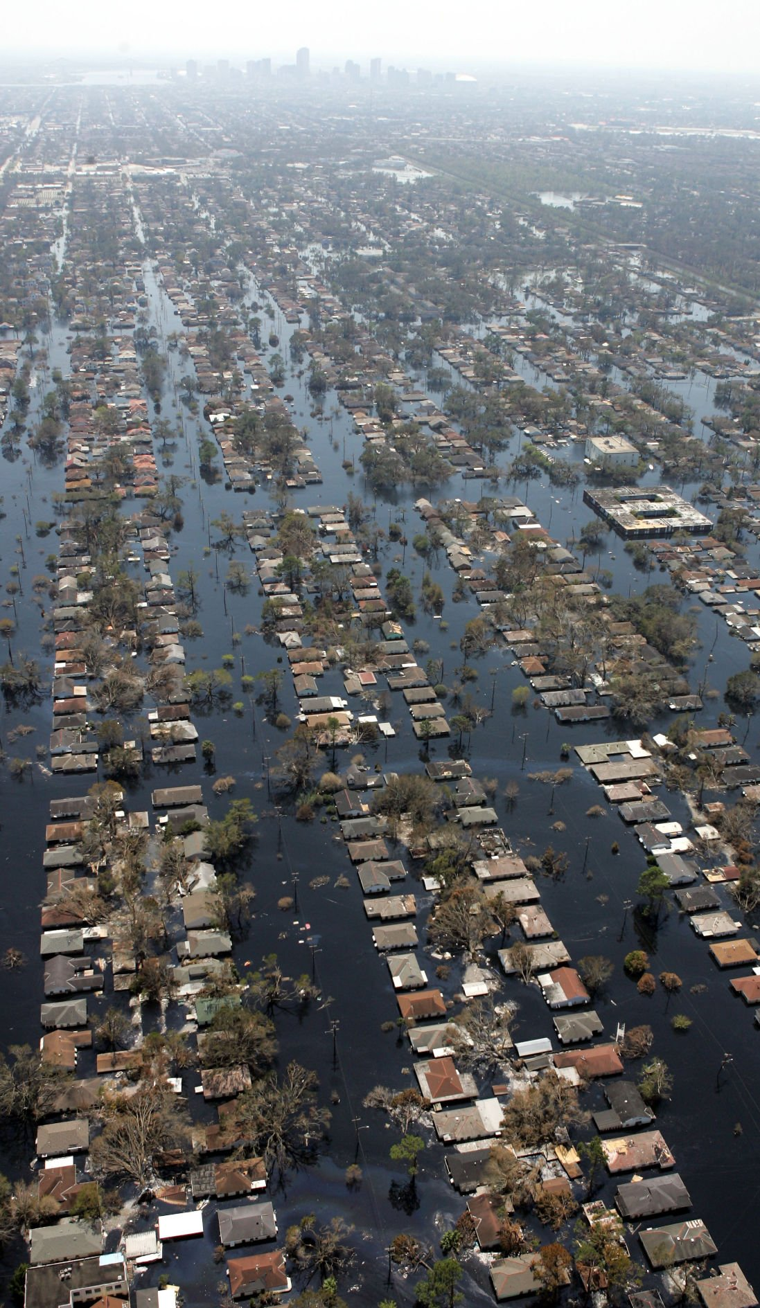 Hurricane katrina bodies photos Race An Issue In Katrina Response - CBS News
