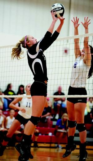 8-24_Borden_Volley-8242-3.jpg