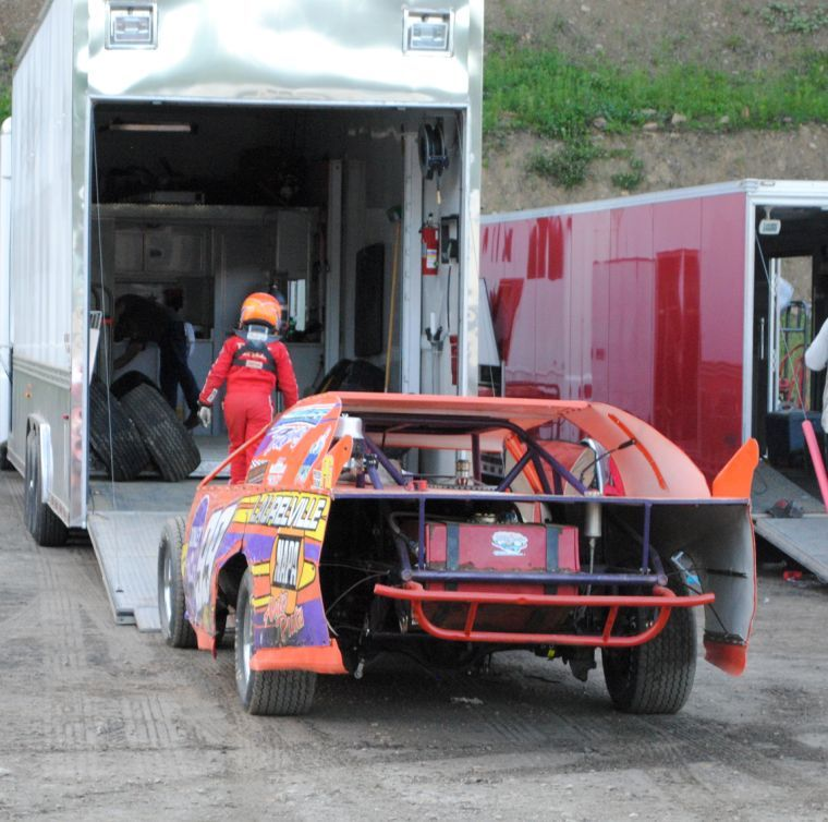 Hall taking the world of dirt track racing by storm - The Pike ...