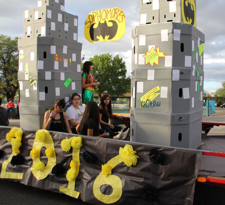 Pics photos homecoming parade float ideas - 2013 Rrhs Homecoming Gallery Nogalesinternational Com
