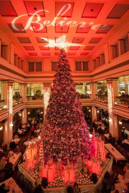 The Great Tree At Macy S Walnut Room