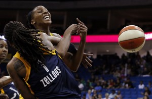 Catchings' 23 points lead Fever past Shock 71-60