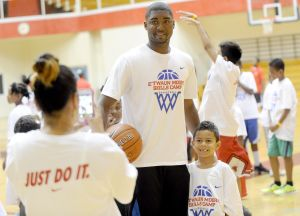 E'Twaun Moore returns to E.C. Central for Basketball Skills Camp