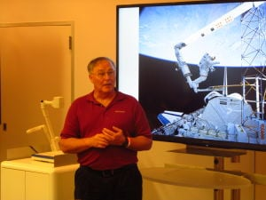 Former astronaut Jerry Ross talks to kids at museum about his lifelong love of space