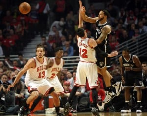 Bulls take nervous 2-1 series lead on Brooklyn Nets