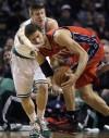 Cavs get two big men -- including Harangody -- from Celtics