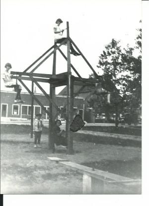 Lansing man built Ferris wheel for his children