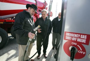 Ozinga dedicates new CNG station at Gary facility