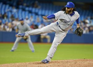 Donaldson drives in winning run as Jays beat Royals in 11; McCutchen homers to lift Pirates
