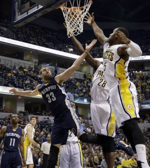Randolph leads Grizzlies over Pacers