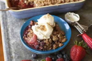 Summer fruit crisp cooked in the most summery way
