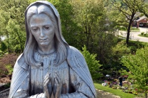 Large crowd expected for blessing of statue of Mary