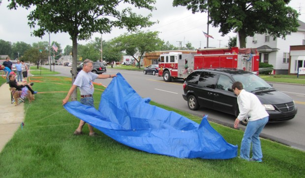 Marking spots for parade a family tradition in laporte for Laporte parade 2016