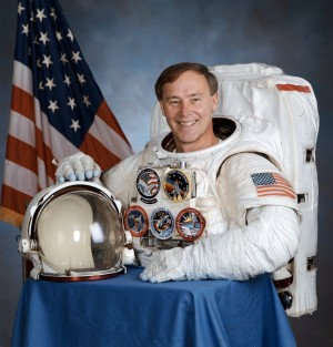 Crown Point's Jerry Ross pens children's story about life as an astronaut