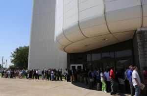Thousands descend on Gary job fair