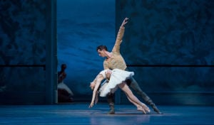 Joffrey offers a splendid 'Swan Lake'