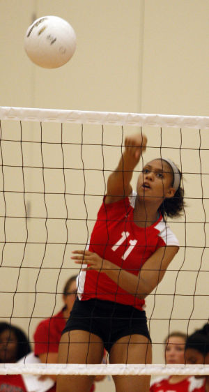 South, finding form, eases past H-F in volleyball