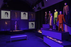 Creative 'Changes': David Bowie exhibit offers colorful retrospective on groundbreaking musician