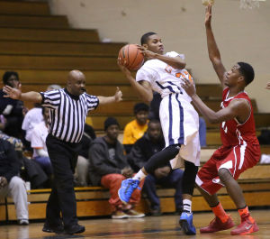Streaking E.C. keeps it going at West Side