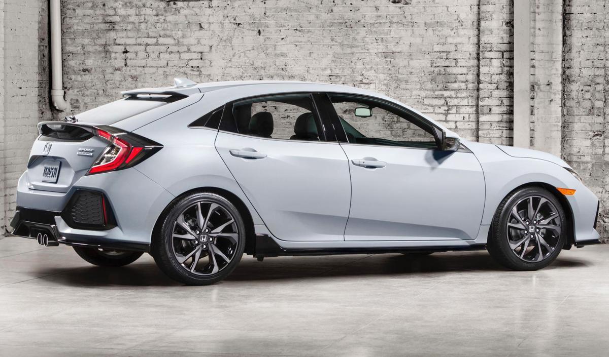 Hatchback joins honda 39 s 2017 civic lineup cars for Sporty honda cars