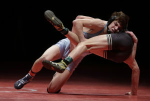 Hanover Central's Micic claims third state wrestling title; LC's Robinson repeats