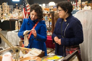 Collectors seek treasures, appraisals at antique show