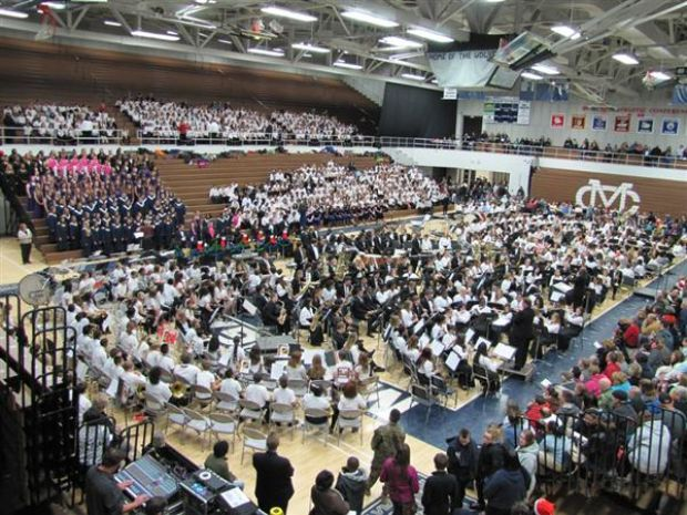 Concert celebrates holiday season