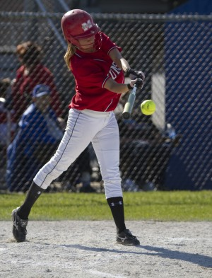 Morton's Reyes, Justiniano give Govs huge sectional win in softball