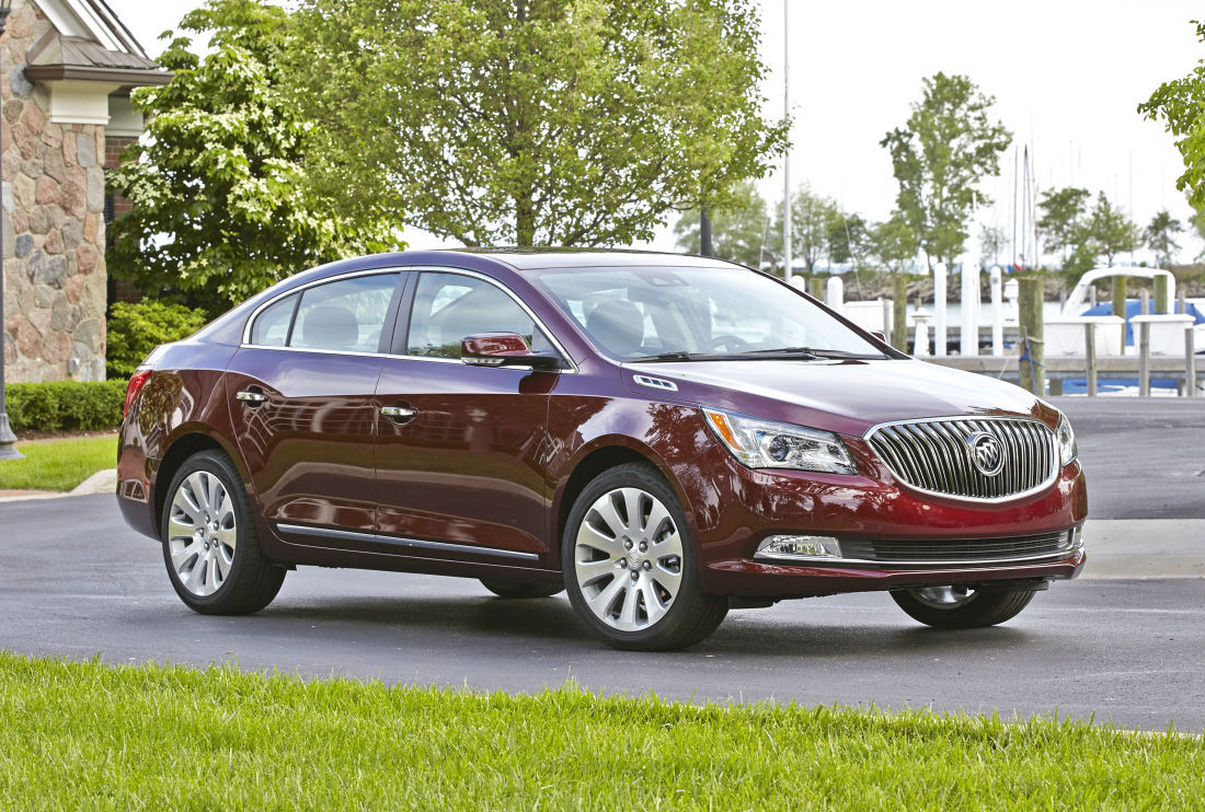 2016 buick lacrosse new model adds comfort and safety. Black Bedroom Furniture Sets. Home Design Ideas