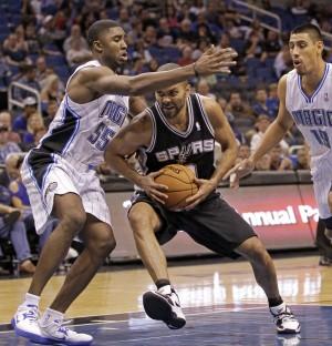 AL HAMNIK: East Chicago's E'Twaun Moore picking Spurs to win NBA title