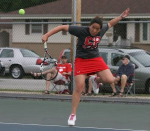 Crown Point edges Munster to win first girls tennis regional since 2005