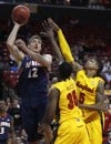 Illinois beats Maryland 71-62, remains undefeated